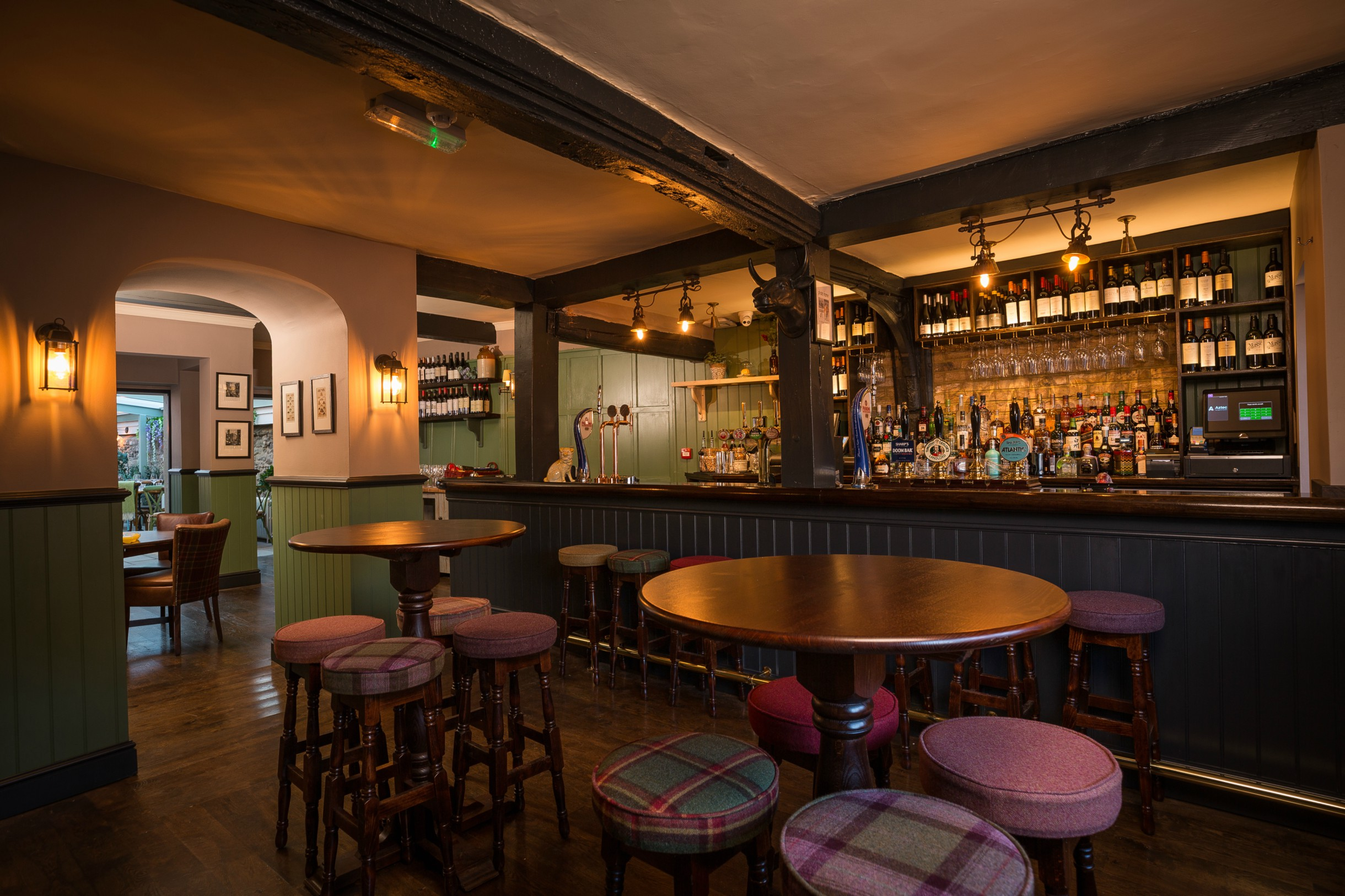 Pub in Thame, Oxfordshire | The Black Horse | The White Brasserie Co